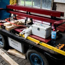Elektrisch betrieben: Ein historischer Bahnsteigwagen